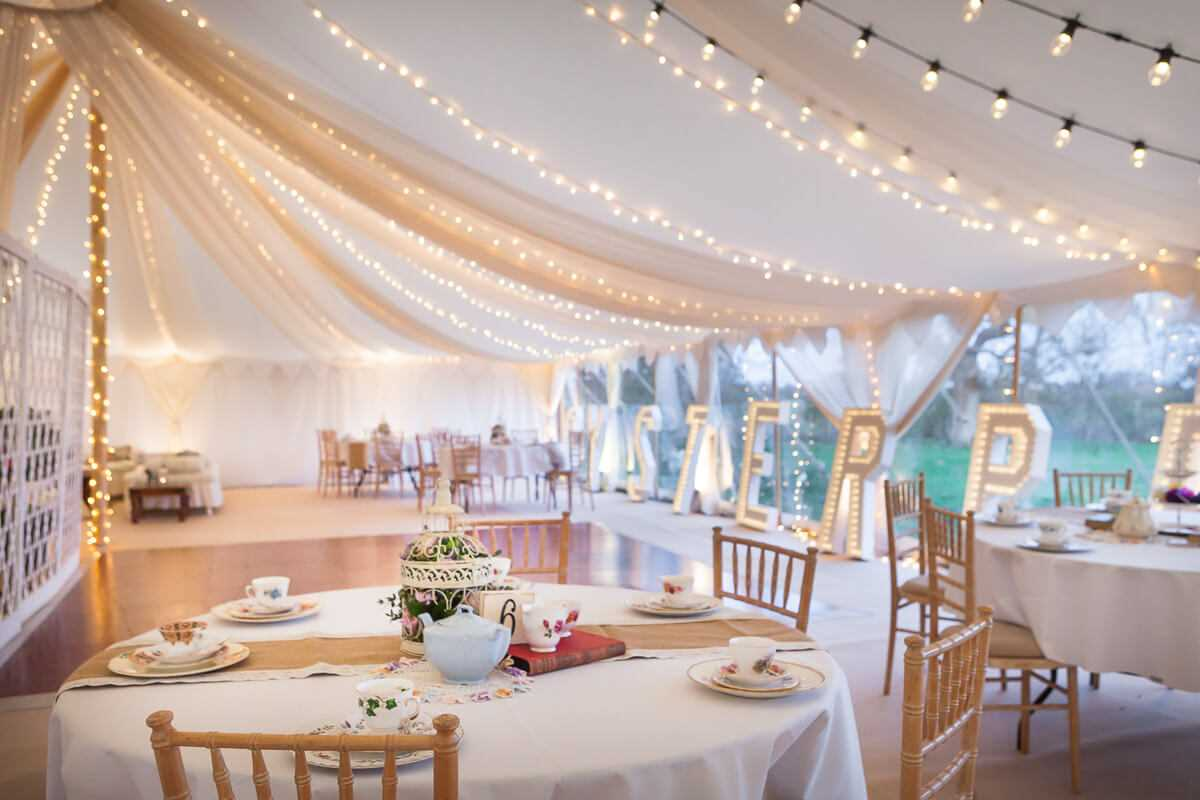Oyster pearl the arabian tent company for Arabian tent decoration