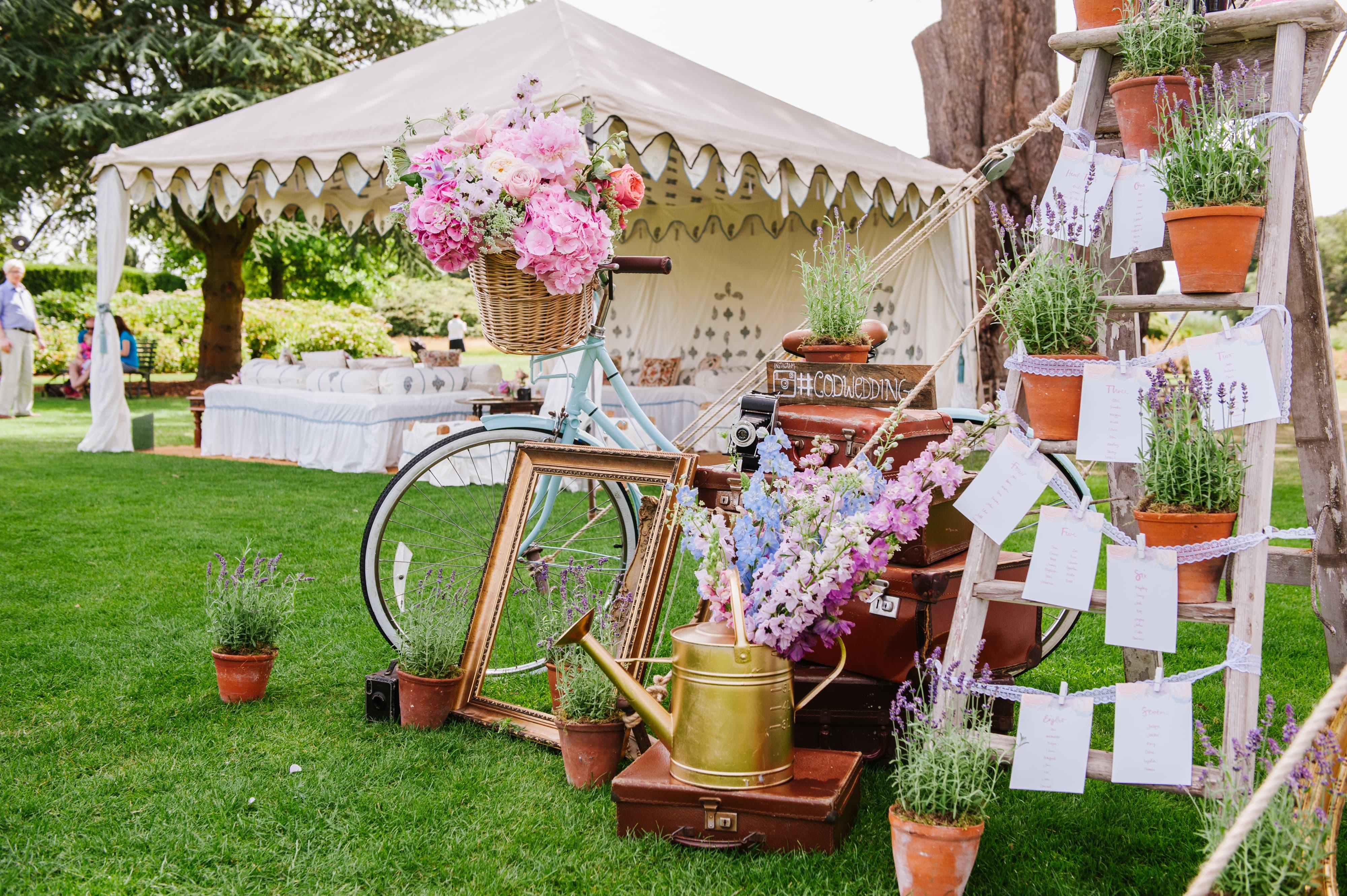 Garden marquee hire for garden parties across the uk arabian tent company - Gartenparty dekoration ...