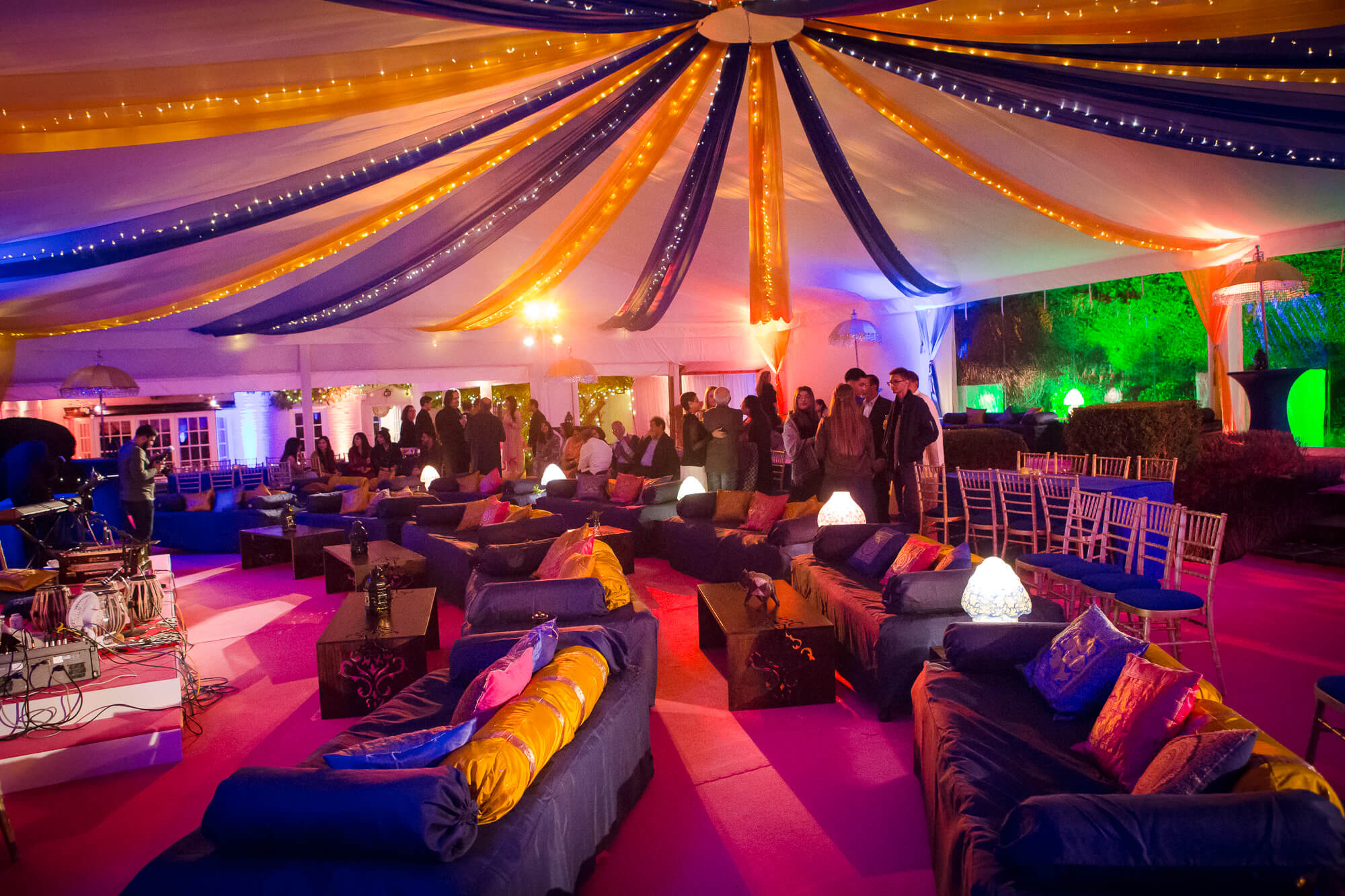 Outdoor Mehndi Party : How to put on the best corporate summer party of
