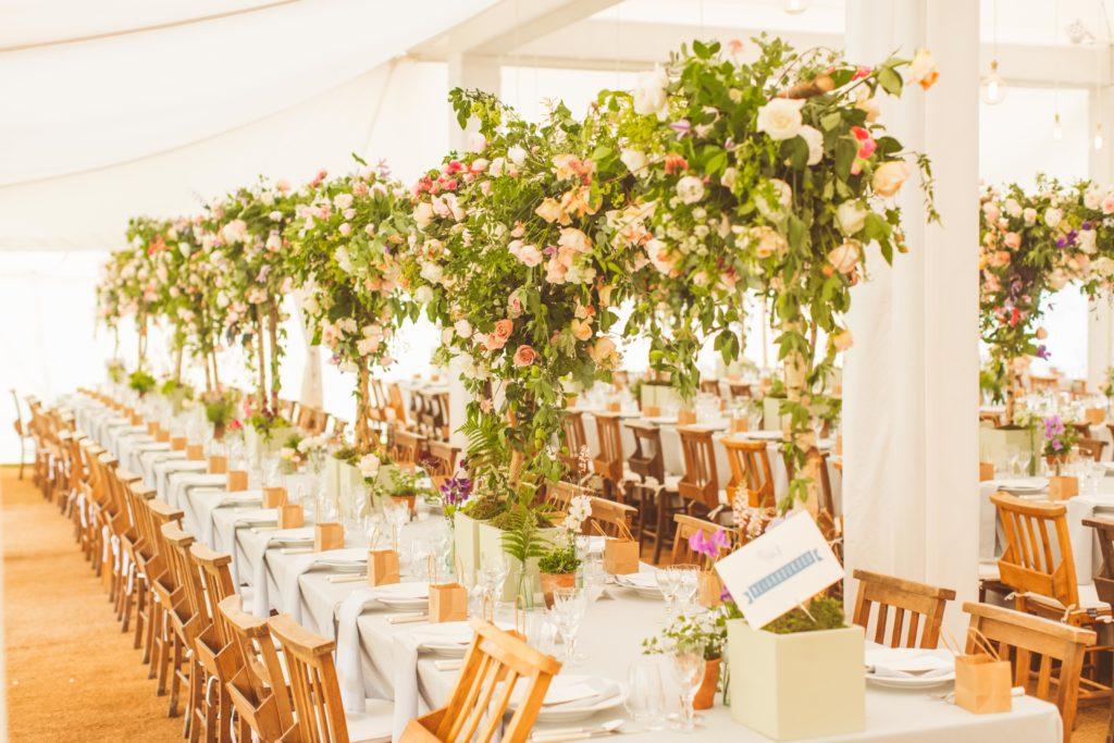 Top Garden Wedding Trends: Pantone's Colour Of The Year: Greenery Wedding Trend
